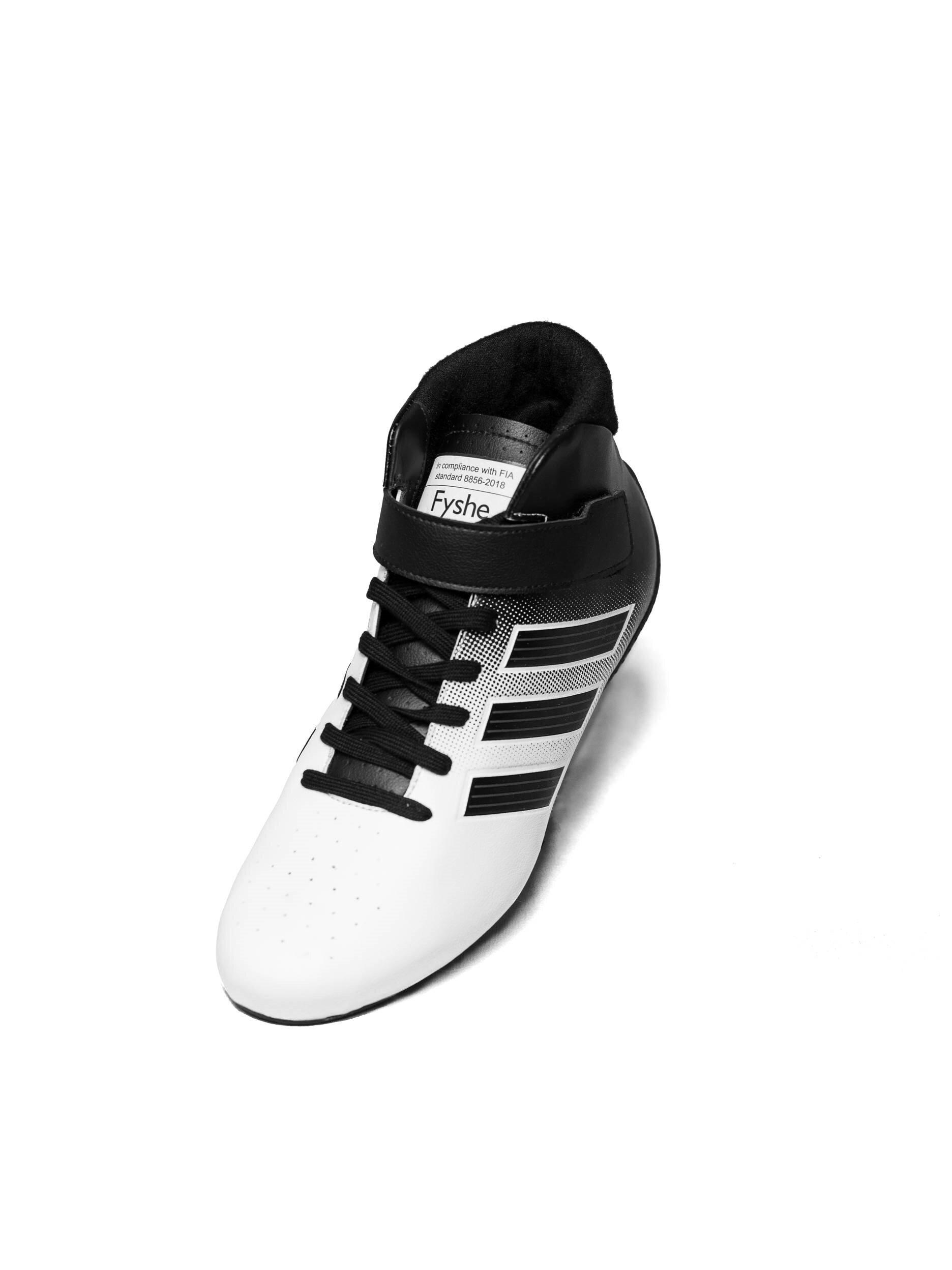 Adidas raceschoen type RS wit zwart FIA homologatie